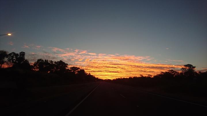 Très beau coucher de soleil pour m'accueillir enfin à Canberra