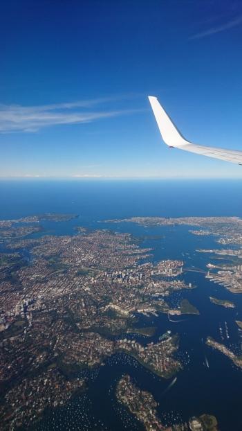 Baie de Sydney. Au milieu, le Harbour Bridge et l'Opéra