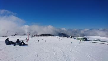 Les nuages ne vont pas tarder à avaler la station. Mount Buller